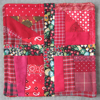 scrappy quilted hotpad