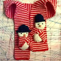 http://laukkumatka.blogspot.fi/2016/12/lumiukkohuivi-snowmen-and-candycane.html