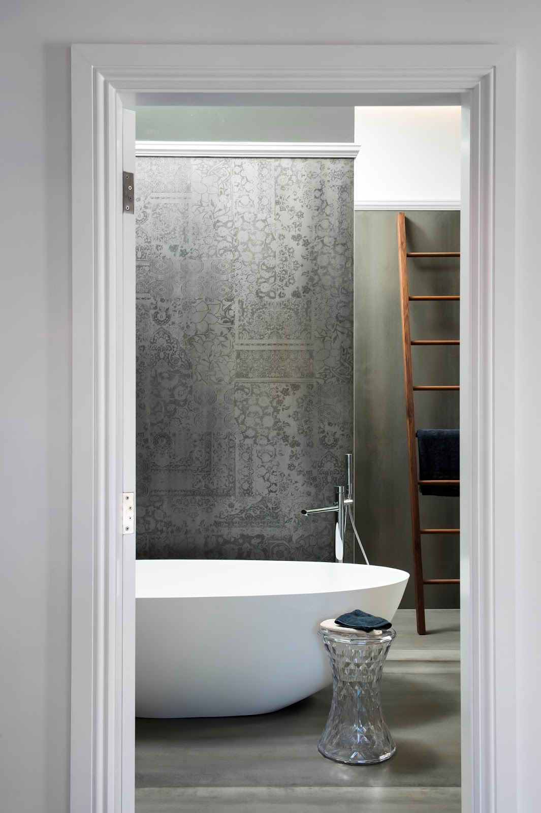 Minosa: Main Bathroom meets Powder Room with stunning result on Main Bathroom Ideas  id=75742