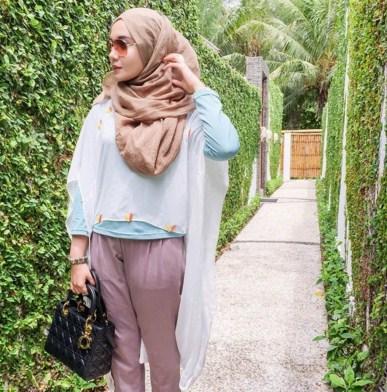 Hijab Maskulin Ala Zaskia Sungkar