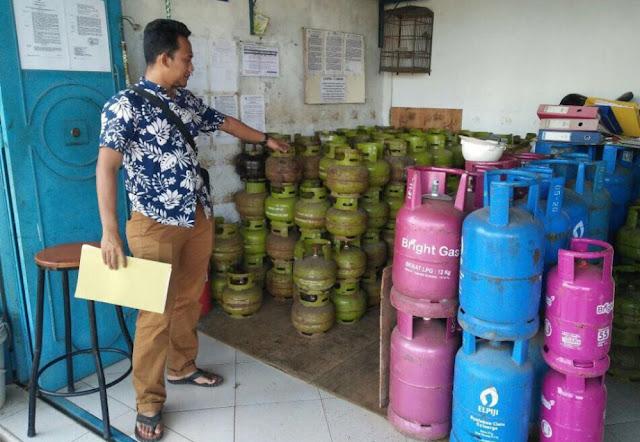 Diam-diam Jual Gas 3 Kg Lebih Mahal, AM Ditangkap Polisi