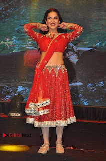 Bollywood Actress Model Sunny Leone Dance Performance in Red Half Saree at Rogue Audio Launch 13 March 2017  0151.jpg