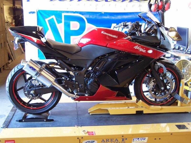 Keren Modifikasi Kawasaki Ninja 4 Tak 250cc Sporti