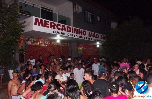 Em Esperantina quatro homens armados assaltaram um supermercado