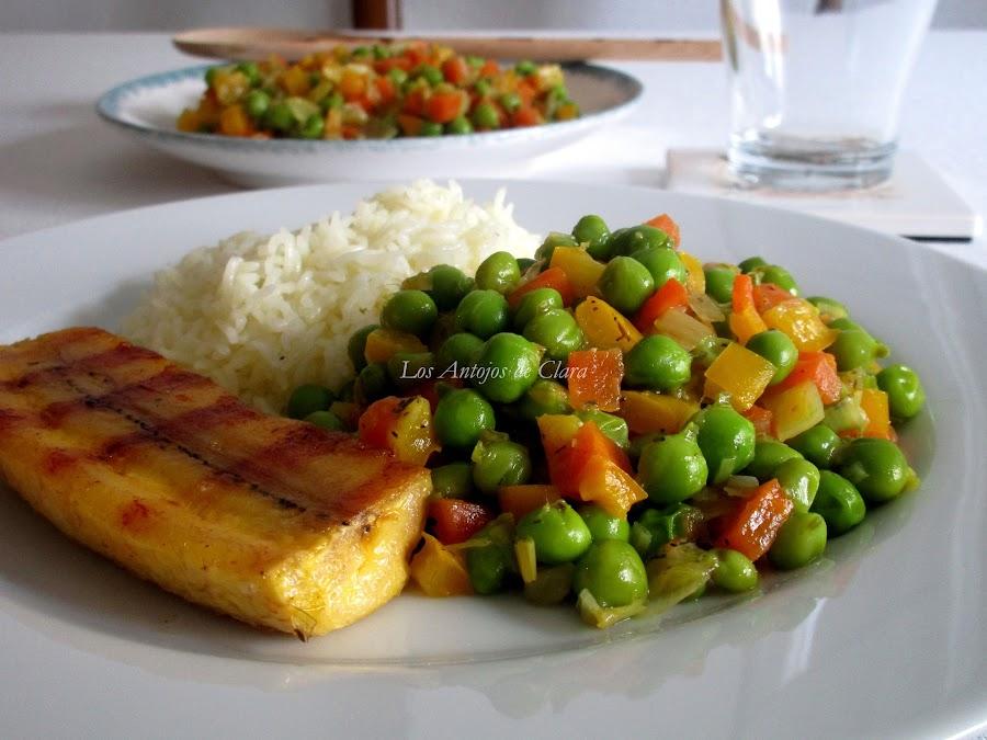 Guisantes frescos con verduras