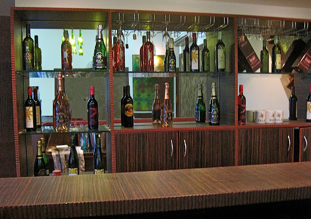 wine bar at Sula