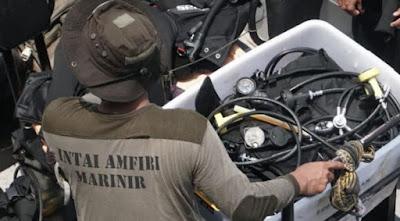 Anggota Marinir Temukan Black Box Lion JT 610