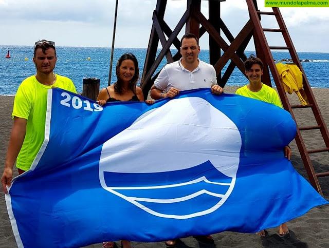 La playa de Bajamar, en Breña Alta, luce ya su flamante Bandera Azul otorgada por la Fundación para la Educación Ambiental