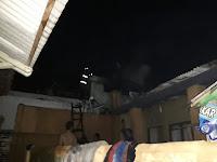 Kebakaran Gegerkan Warga Kaliawi, Satu Rumah Terbakar