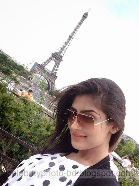 Beautiful Actress And Model Mehjabin Chowdhury Latest Photos In Paris In Western Dress 2014-2015