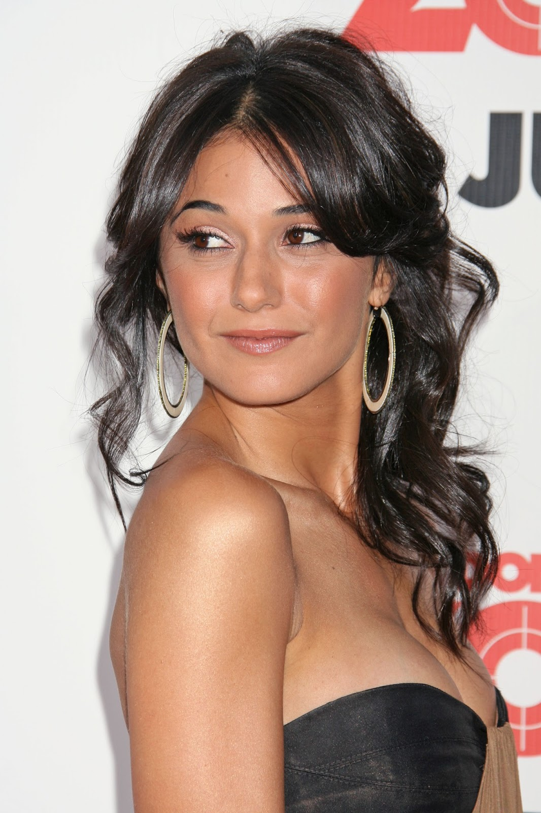 Emmanuelle Chriqui Hot Cleavage Sexy HQ Photos at Premiere ...