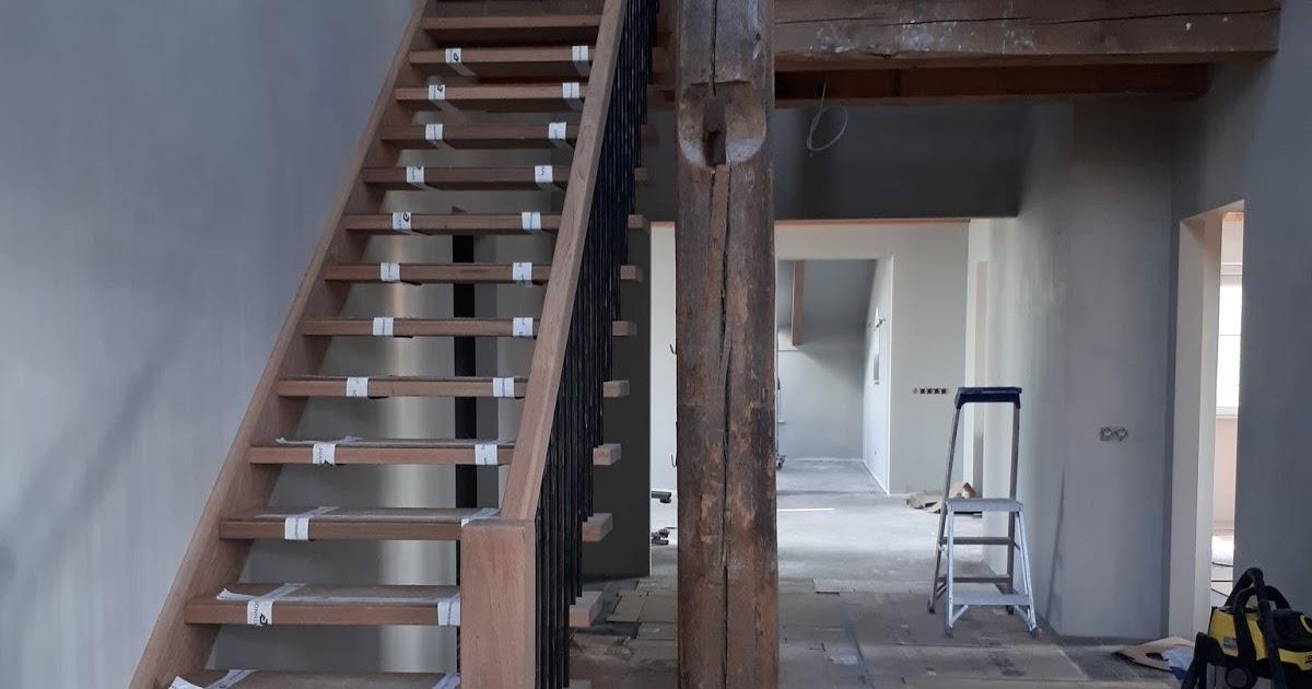 Stolpboerderij remco en petra trappen geplaatst