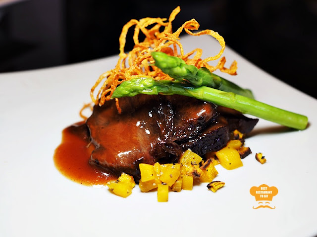 Smoked Beef Cheek With Lychee Wood and Pur-Er Tea Summer Palace Chinese Restaurant Marriott Putrajaya Hotel