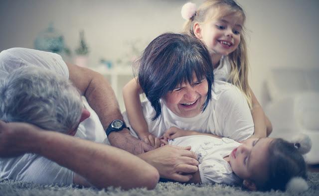 In vizita la bunici: rasfatul copilariei