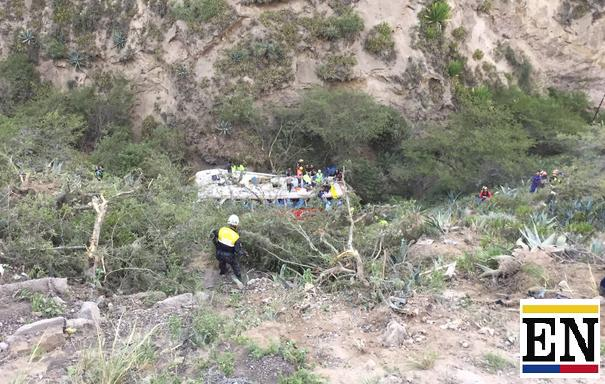 accidente bus oyacoto pullman carchi