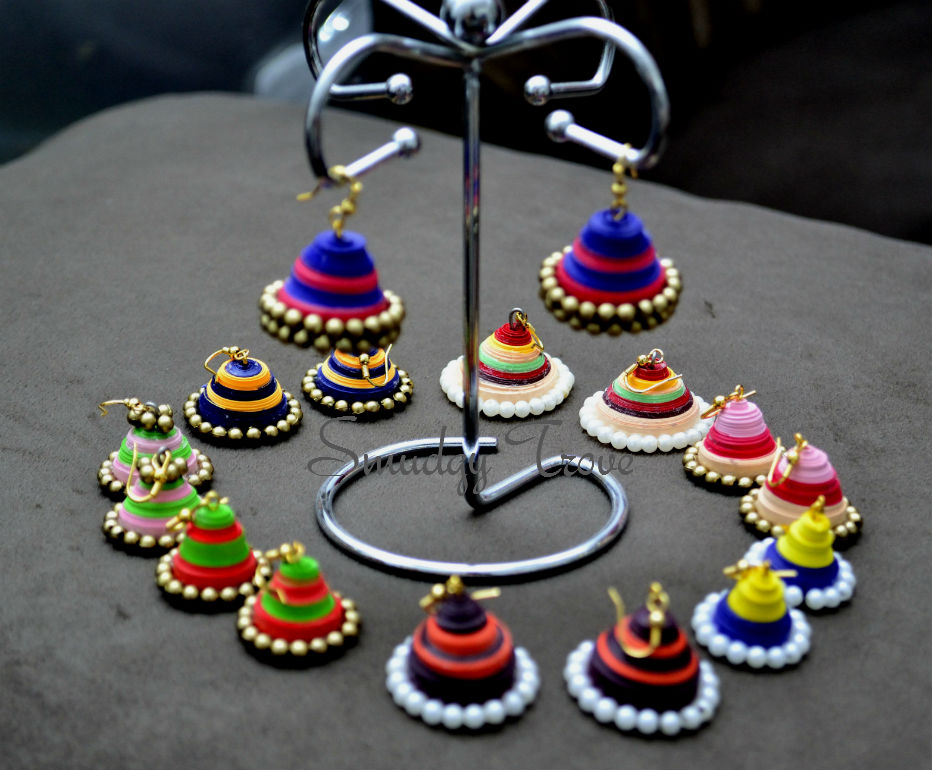 http://www.imprintshandmade.com/2013/05/traditional-jhumkis-using-paper-quilling.html