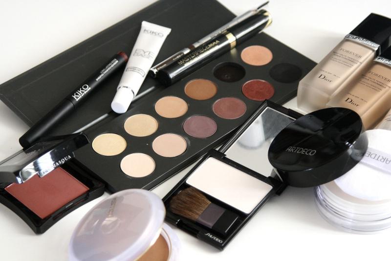 kiko eyeliner kosmetyki kolorówka makijaż blog