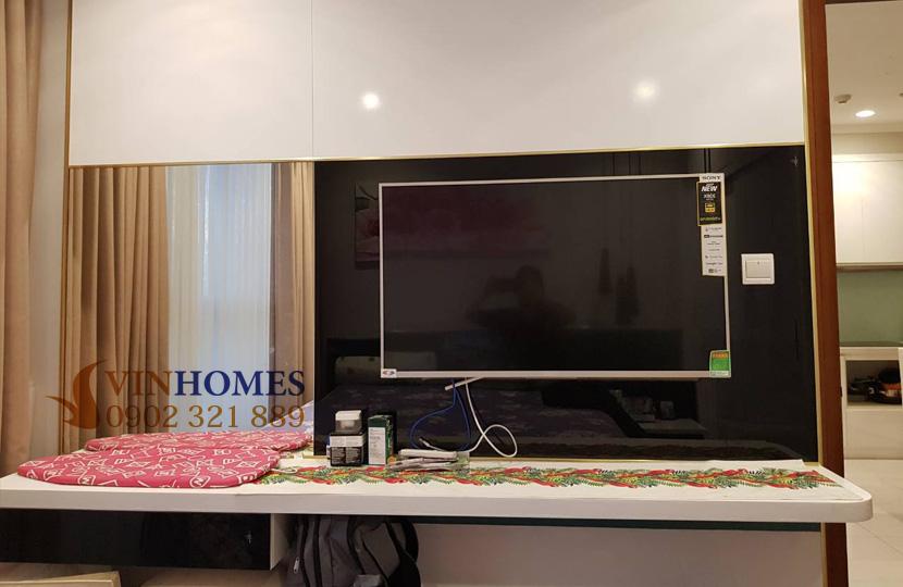Căn hộ cho thuê 1PN tại Vinhomes Bình Thạnh view sông SG - tivi