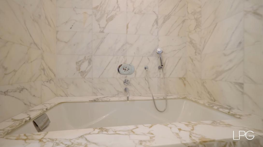 26 Interior Design Photos vs. 25 Columbus Cir #75CE, New York, NY Luxury Penthouse Tour