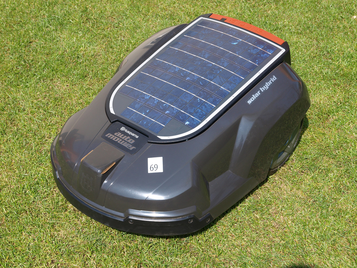 Fully Automated Solar Grass Cutter