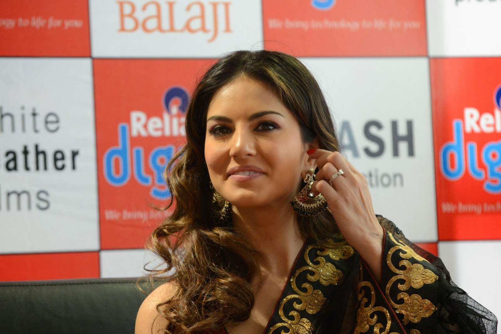 Sunny Leone HD Photos | HD Wallpapers of Sunny Leone