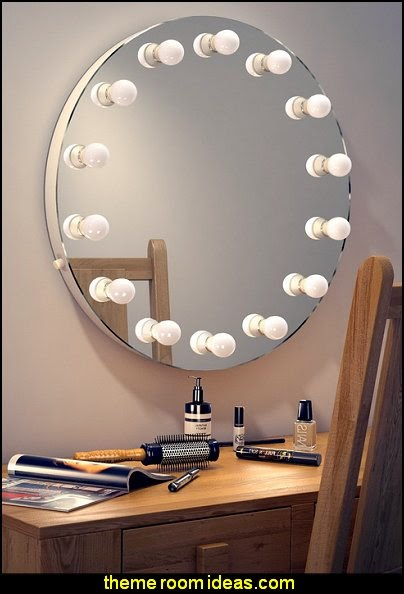 Round Hollywood Makeup Mirror with Cool White Dimmable LED lamps