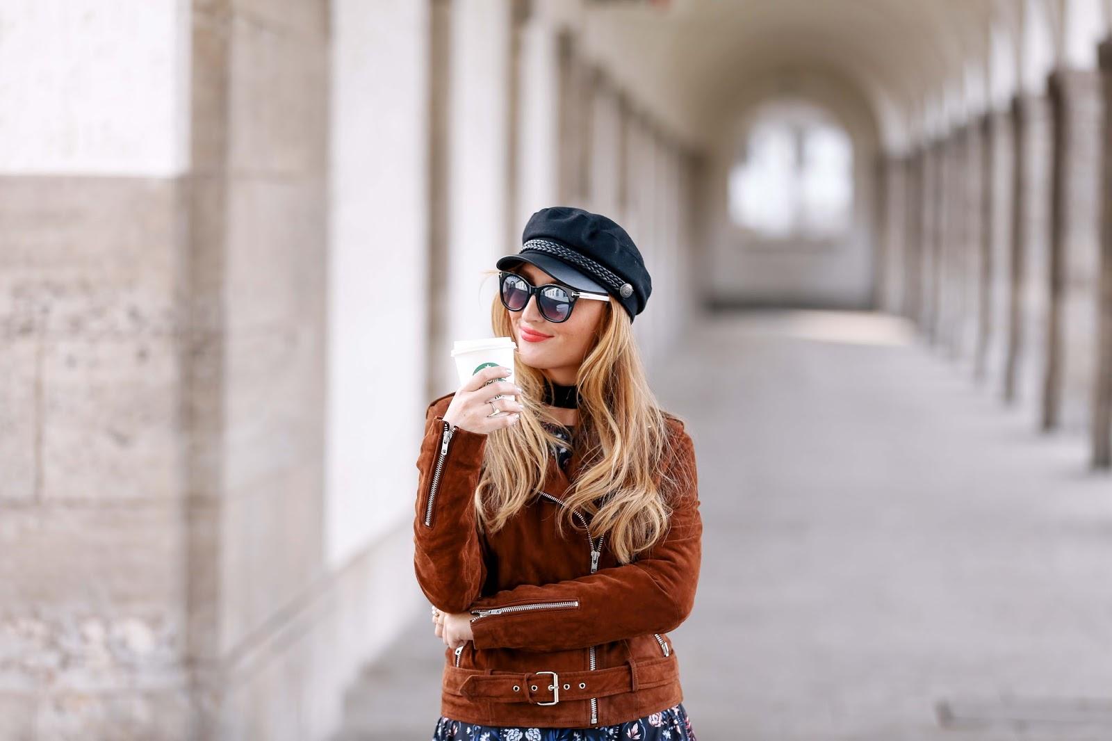 conleys-lederjacke-Fashionstylebyjohanna-ivyrevel-H&M-Schiffermütze-blogger-mit-schiffermütze-fashionstylebyjohanna-fashionblogger-braune-wildlederjacke-braune-lederjacke-blogger-mit-brauner-jacke