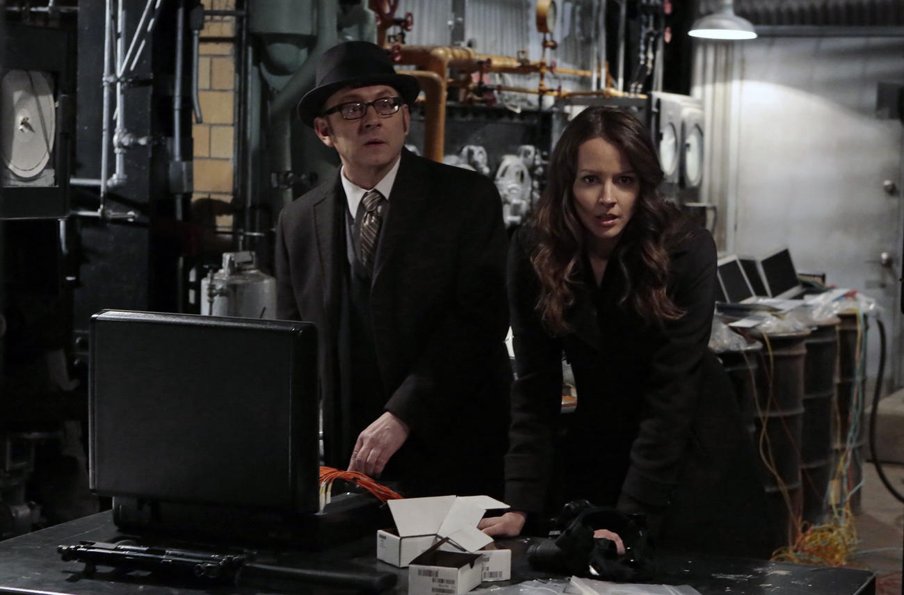 Michael Emerson y Amy Acker en Person of Interest