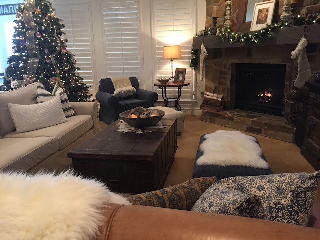 christmas decorating with neutrals