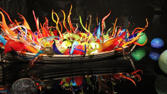 Wallpaper 2: Chihuly Fine Art Glass