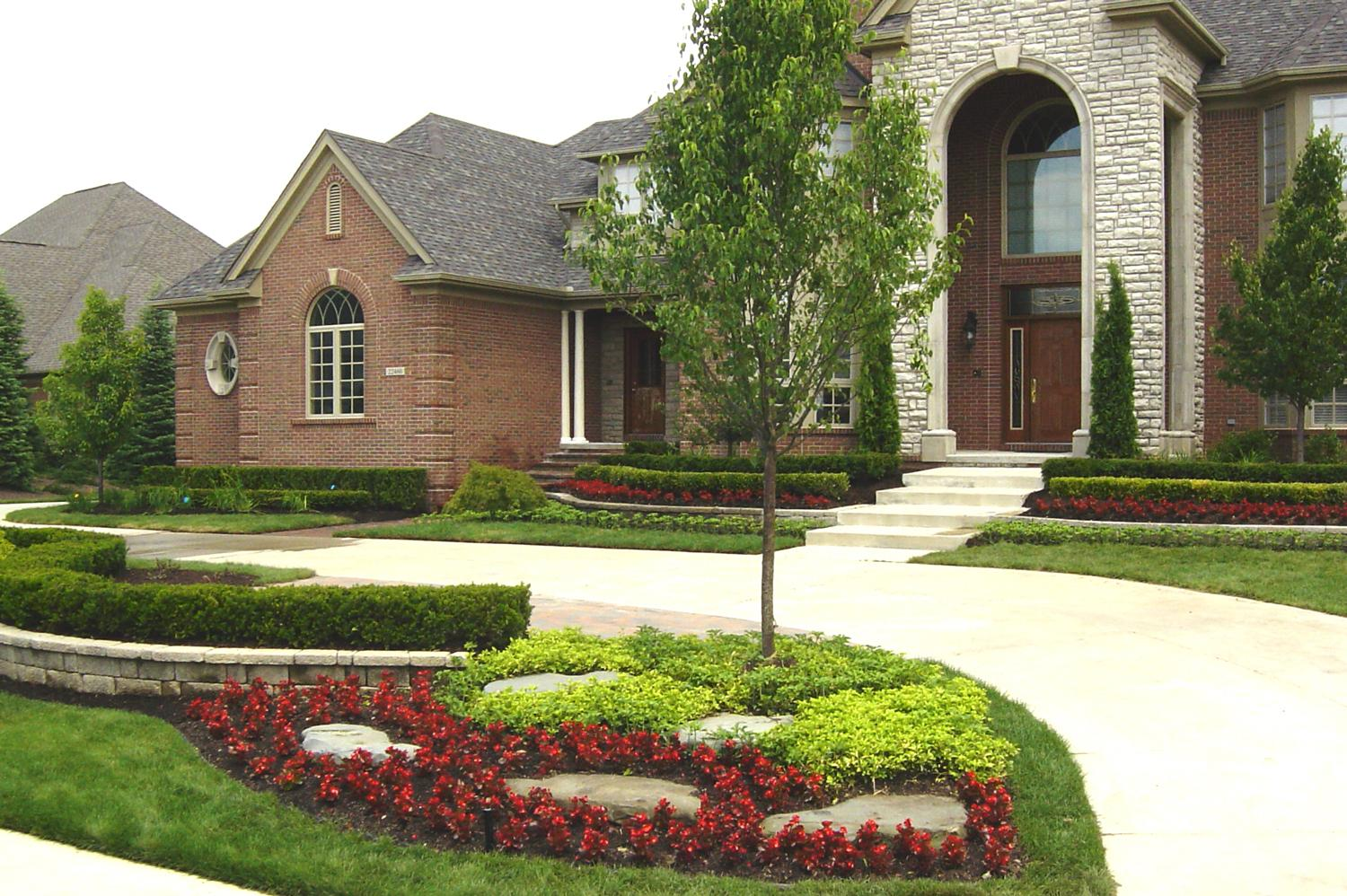 Simple Landscape: Ideas for landscaping front yard