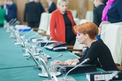 megduplázott fizetések Románia, béremelés, Románia, Lia Olguţa Vasilescu, Grindeanu-kormány,
