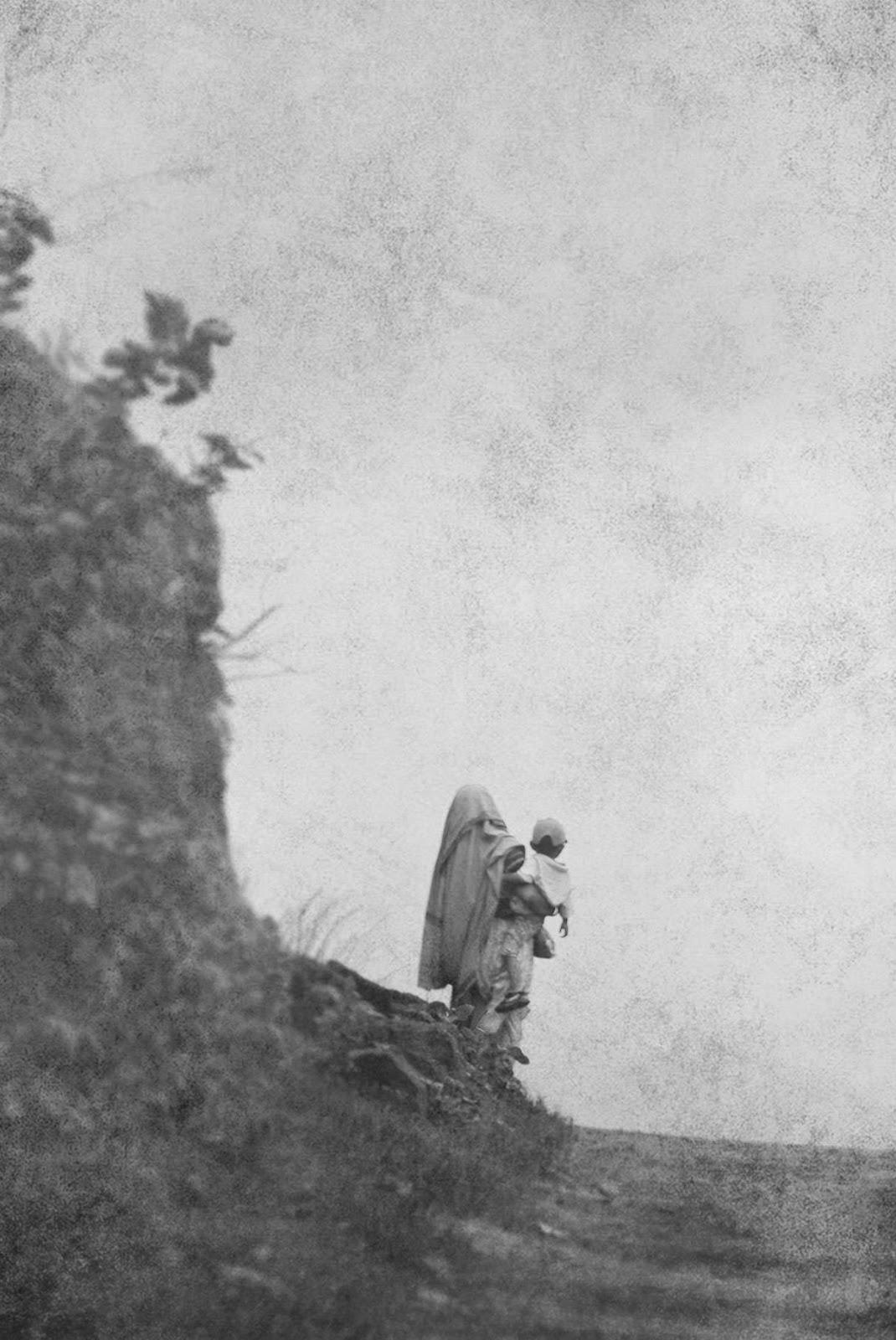 त्या डोंगराच्या आड माझे गाव - मराठी कविता | Tya Dongarachya Aad Majhe Gaav - Marathi Kavita