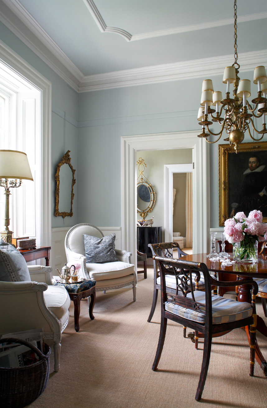 British Country Homes: Décor: An English Country House By Susan Burns Design