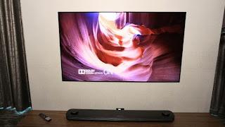 Στην έκθεση CES η LG παρουσίασε τις σούπερ λεπτέςOLED τηλεοράσεις με Dolby Vision και Dolby Atmos.
