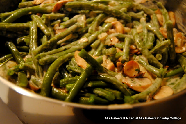 Nana's Green Beans at Miz Helen's Country Cottage