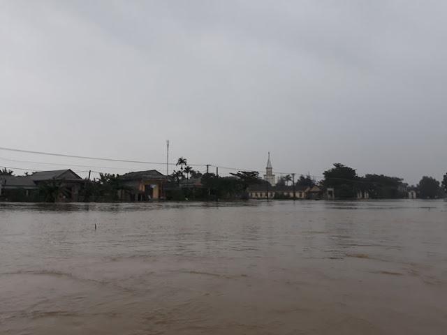 Chùm ảnh lũ lụt tại Giáo xứ Dương Sơn – Huế - Ảnh minh hoạ 24
