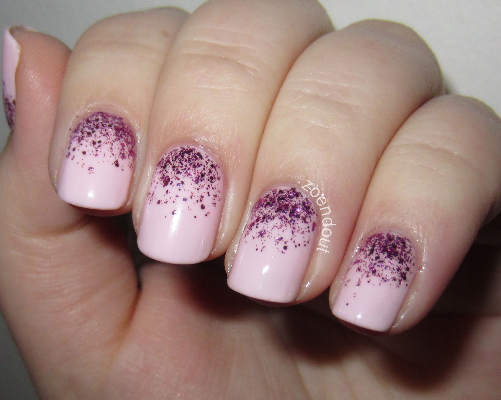 Zoendout Nails: Girly Glitter Gradient
