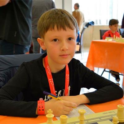 El ajedrecista Sub-10 ALEXANDER DOMENE MULYUKOV