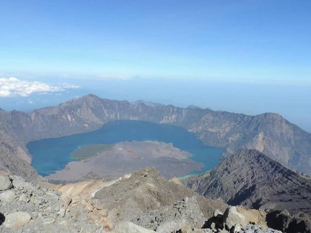 Jalur pendakian Gunung Rinjani dan Harga tiket masuk