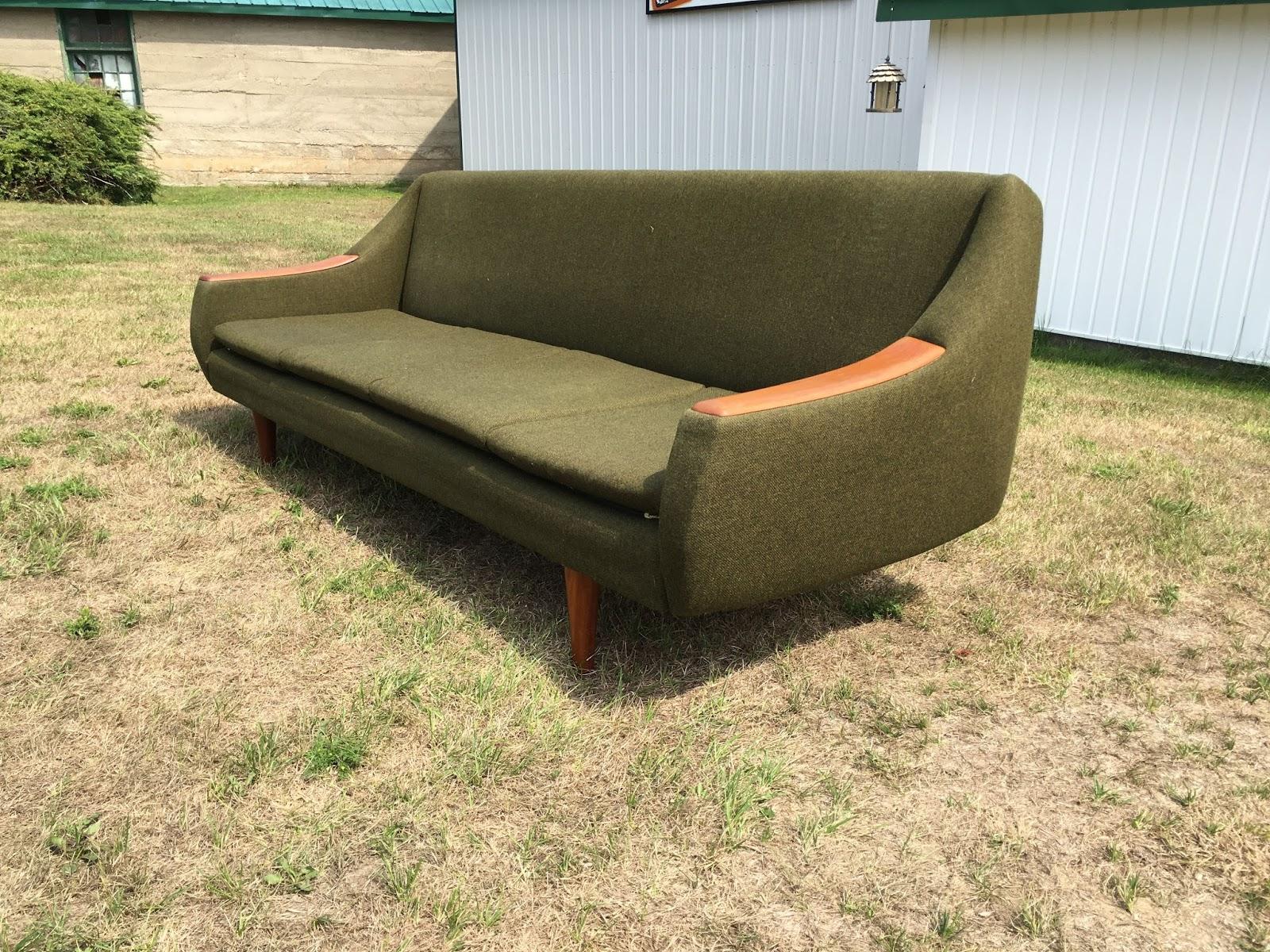 tribute 20th decor mid century sofa