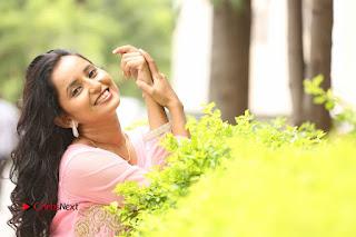 Actress Ishika Singh Pictures at Karulo Shikarukelithe Teaser Launch  0065.JPG