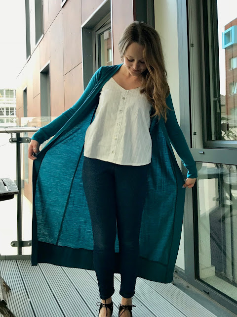 Diary of a Chain Stitcher: Maxi Helen's Closet Blackwood Cardigan in Teal Merino from The Fabric Store