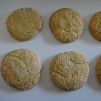 Biscoitos fofos de laranja com sementes de papoila