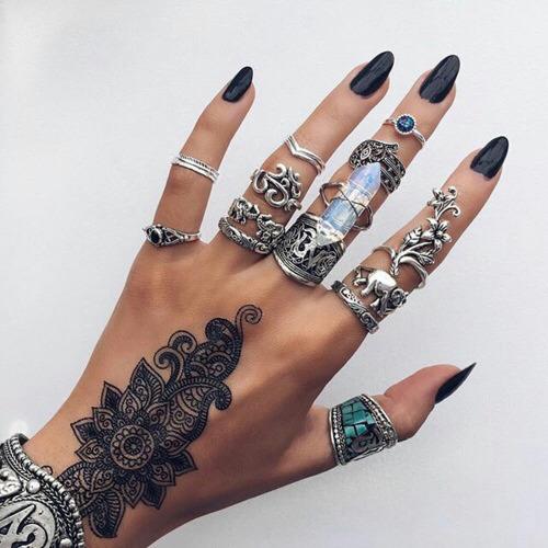 Wi teczne inspiracje na paznokcie tumblr zmieniony rytm for Best tattoo artists in nyc 2017