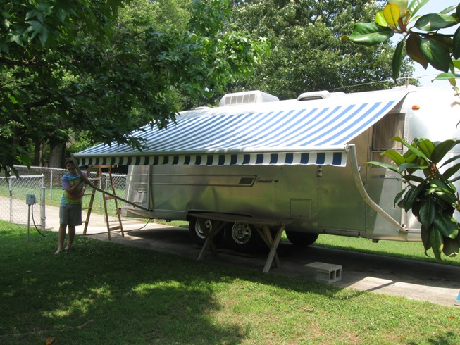 Adventures of a Curious Fellow: New Awning for the Airstream