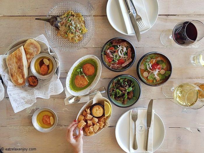 מסעדת ים 7 בחוף אכדיה הרצליה – ארוחה משגעת מול הים!