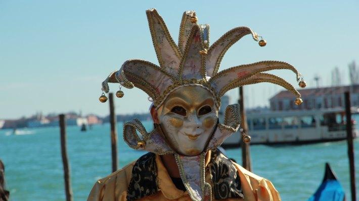 Wallpaper 2: Mask at Venice Carnival