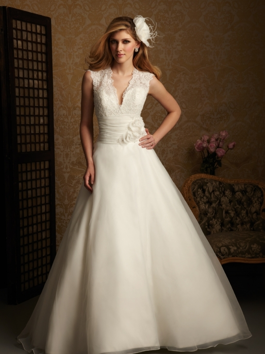 Weddings Oke: 8 Tips For Picking The Perfect Wedding Dress