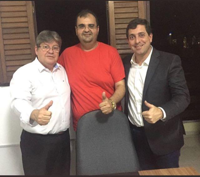 SANTANA DOS GARROTES - Agora é definitivo: Vereador Manoel (PSB) alinhou os pontos ao executivo estadual com João Azevedo